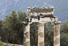 Templo do pronoia de Athena no archaeol de Delphi Fotos de Stock Royalty Free
