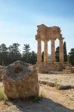 Templo do rodízio e do Pollux de Dioscuri Local do património mundial do Unesco Vale dos templos Agrigento, Sicília, ItalyAgrigen Imagens de Stock