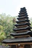 Templo do telhado do andar do estilo de Bali Imagem de Stock