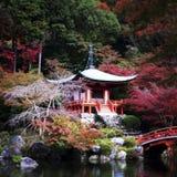 Templo do zen na queda de Japão fotografia de stock royalty free