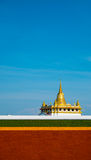 Templo dourado da montagem Fotografia de Stock Royalty Free