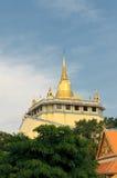 Templo dourado da montagem, Banguecoque, Tailândia Imagens de Stock Royalty Free