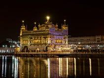Templo dourado de Amritsar na noite Foto de Stock Royalty Free