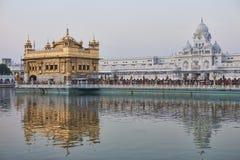 Templo dourado do sikh no nascer do sol Imagem de Stock Royalty Free