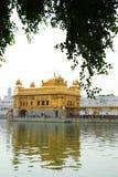 Templo dourado em Amritsar India imagem de stock