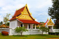 Templo dourado luxuoso tailandês Imagem de Stock Royalty Free