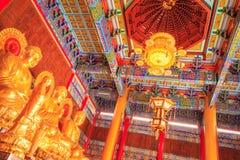 Templo e lâmpada chineses da Buda em Wat Leng Noei Yi em Nonthaburi Foto de Stock