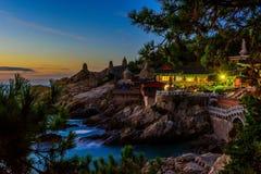 Templo e nascer do sol na cidade de Busan em Coreia do Sul fotos de stock royalty free