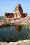Templo e reflexão Imagens de Stock