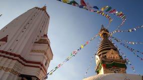Templo e Swayambhunath Stupa em Nepal imagem de stock