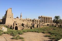 Templo egipcio antiguo de Karnak imagenes de archivo