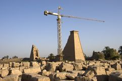 Templo egipcio antiguo de la renovación de Karnak foto de archivo