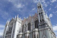 Templo El Expiatorio desde la plaza royalty free stock photography