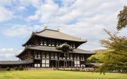 Templo em Nara, a construção de madeira a maior de Todai-ji no worl Fotos de Stock Royalty Free