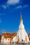 Templo em Sakonnakorn Tailândia imagens de stock