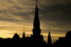 Templo em Tailândia na noite Fotos de Stock
