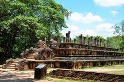 Templo en ciudad antigua en Polonnaruwa, Srí Lanka imagenes de archivo