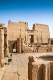 Templo en Edfu, Egipto Foto de archivo