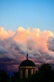 Templo en el cielo imagenes de archivo