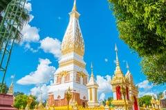 Templo en el cielo azul foto de archivo libre de regalías