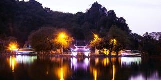 Templo en el lago Imagen de archivo libre de regalías