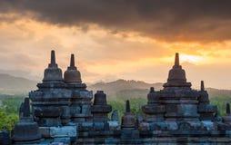 Templo en la salida del sol, Java, Indonesia de Borobudur Imágenes de archivo libres de regalías