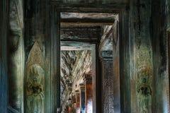 Templo en la selva camboyana Foto de archivo libre de regalías