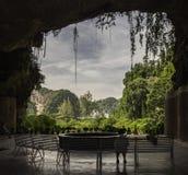 Templo en una cueva Fotos de archivo libres de regalías
