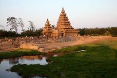 Templo famoso Mahabalipuram da costa, Tamil Nadu, Índia Foto de Stock