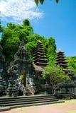 Templo Goa Lawah, Bali del palo imagenes de archivo