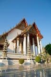 Templo grande em Wat Suthat, Banguecoque Tailândia Fotografia de Stock