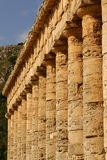 Templo griego en la ciudad antigua de Segesta, Sicilia Fotos de archivo