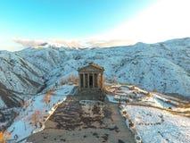 Templo hermoso de Garni en Armenia, en invierno imágenes de archivo libres de regalías
