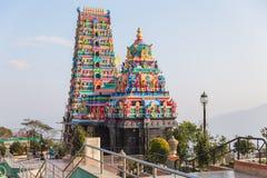Templo hindú con la decoración colorida en el área de Siddhesvara Dhaam en Namchi Sikkim, la India Fotos de archivo libres de regalías