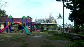 Templo hindú en Malasia, devotos hindúes metrajes
