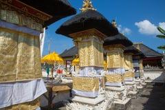 Templo hindú festivamente adornado, Nusa Penida Toyopakeh, prov bali indonesia Imagen de archivo