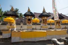 Templo hindú festivamente adornado, Nusa Penida Toyopakeh, prov bali indonesia Imagen de archivo libre de regalías