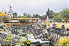 Templo hindú festivamente adornado Pura Ped, en Nusa Penida-Bali, Indonesia Imágenes de archivo libres de regalías