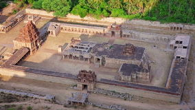 Templo hindu antigo vídeos de arquivo