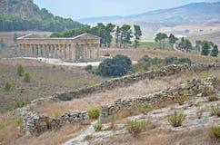 Templo histórico de Segesta, Italia Foto de archivo