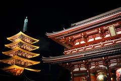 Templo iluminado de Asakusa imagem de stock royalty free