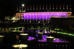 Templo iluminado en el funfair de Tivoli en el centro de Copenhague en la noche Fotografía de archivo