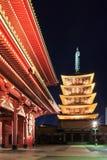 Templo japonés rojo de Sensoji-ji en Asakusa Fotos de archivo