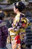 Templo japonês do quimono da mulher fotografia de stock royalty free