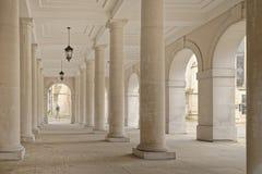 Templo, Londres, Inglaterra: pilares de la columnata foto de archivo