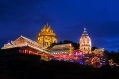 Templo maravillosamente encendido-para arriba de Kek Lok Si en Penang fotos de archivo