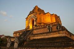 Templo maravilloso de Wat Chedi Luang de la pagoda Imagen de archivo libre de regalías