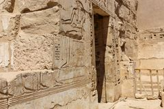 Templo Medinet Habu em Luxor foto de stock royalty free