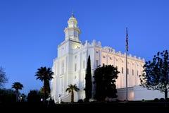 Templo mormón del St George Utah LDS en madrugada foto de archivo
