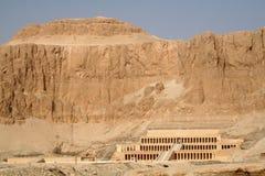 Templo mortuorio de la reina Hatshepsut [al Bahri, Egipto, estados árabes, África de Deyr del anuncio] Imágenes de archivo libres de regalías